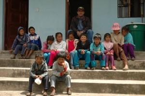 Les élèves de Punacancha et leur professeur