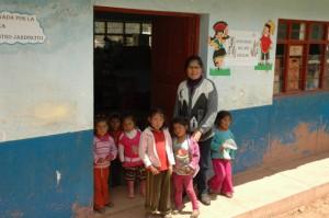 Classe des maternelles avec Maria l'institutrice