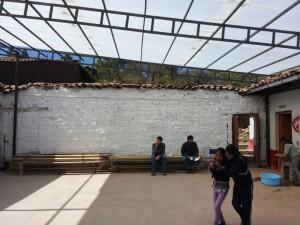La cour centrale de l'école est désormais couverte