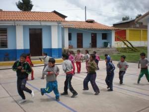 Danse des élèves de Punacancha pour nous remercier