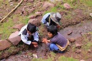 Lavage des mains avant le déjeuner - Pacramayo