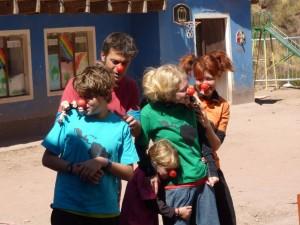 Spectacle pour enfants par la famille Pairone